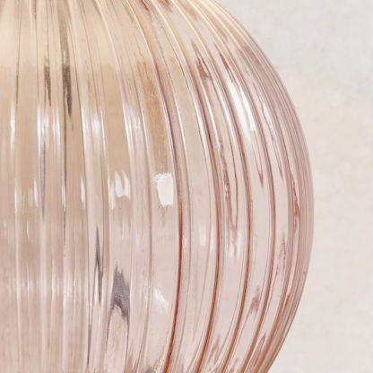 szklana lampa pudrowy róż