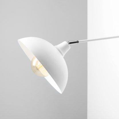 lampa z dużym kloszem biała otwarta