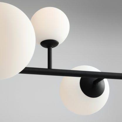 czarna lampa wisząca szklane klosze