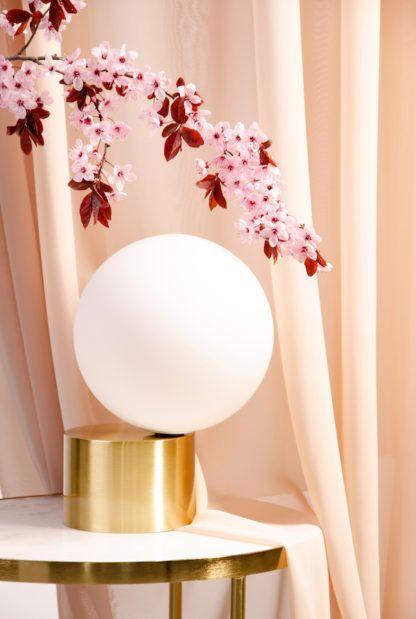 elegancka lampa stołowa złota