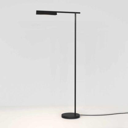 czarna lampa podłogowa led