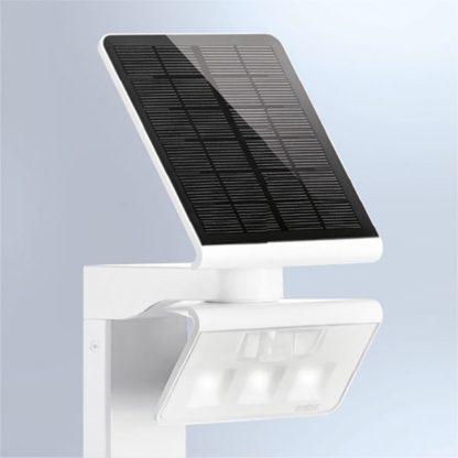 lampa stojąca ogrodowa solarna