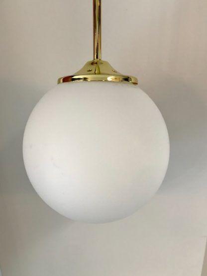 lampa wisząca biała kula złota