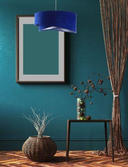 kobaltowa lampa aranżacja morskie ściany