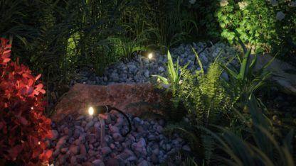 punktowe oświetlenie w ogrodzie