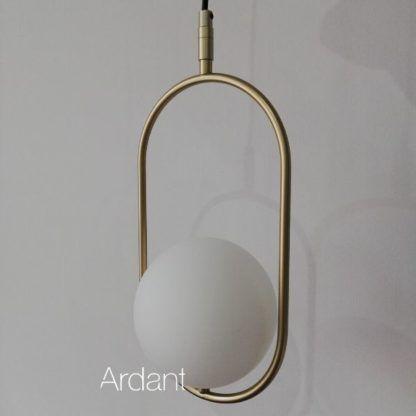złota lampa wisząca szklany klosz