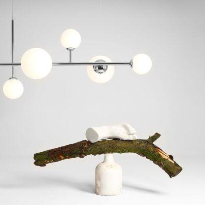 nowoczesna srebrna lampa wisząca nad stół