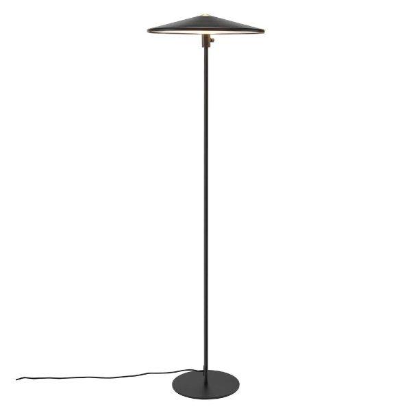 metalowa lampa podłogowa do salonu
