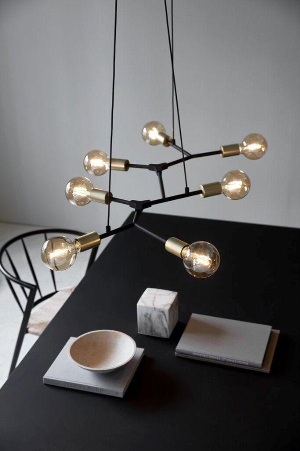 żyrandol industrialny nad stół