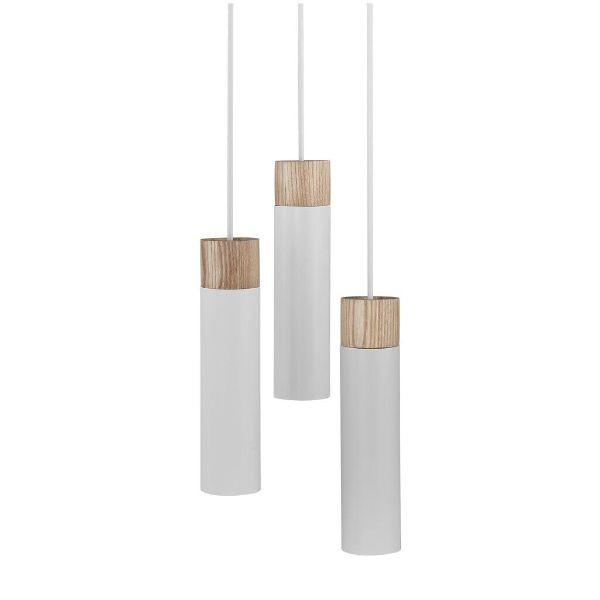 biała lampa z drewnianymi detalami