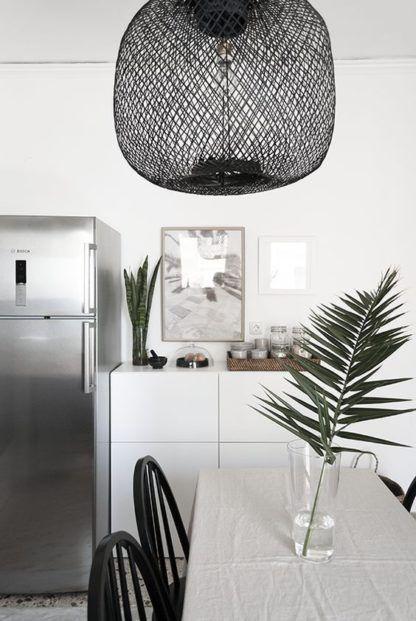 bambusowa czarna lampa nad stół aranżacja