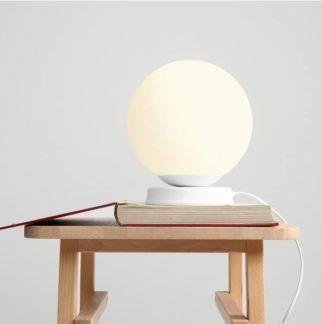 Lampa stołowa Ball - biała, szklana