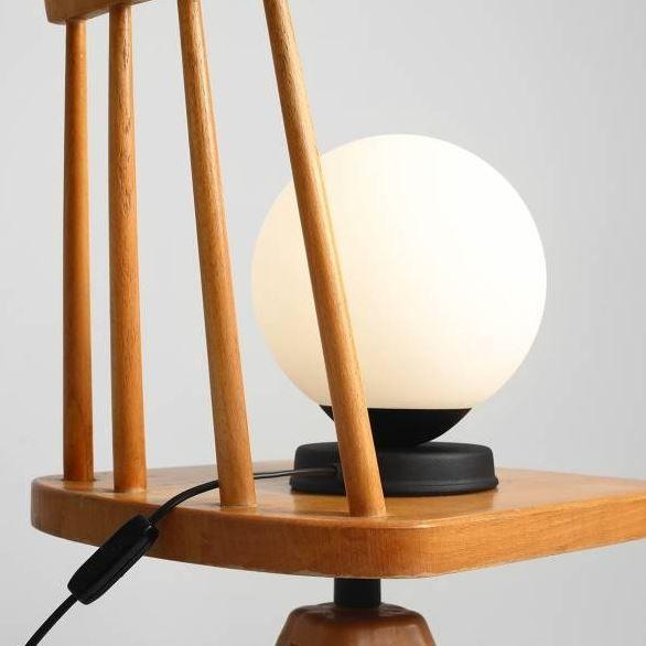 czarna lampa stołowa różne rozmiary