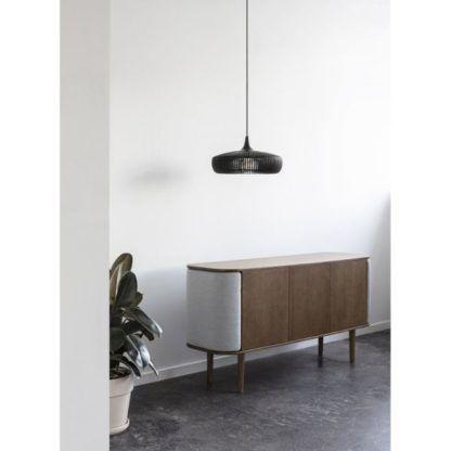 drewniana lampa w przedpokoju aranżacja