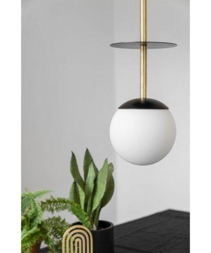 lampa wisząca szklana kula na złotym przewodzie