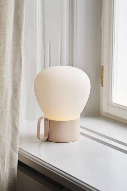 lampka stołowa mobilna