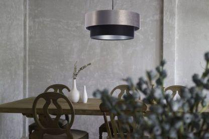 satynowa lampa wisząca nad stół jadalnia