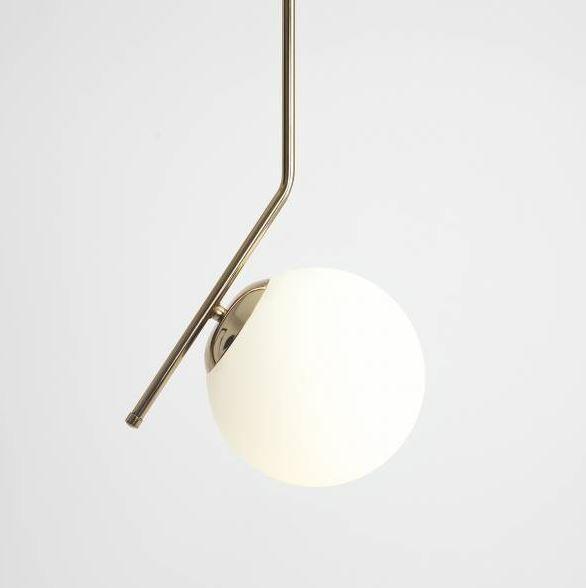 złota lampa metalowe zawieszenie