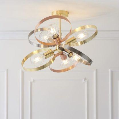 duża lampa sufitowa różne kolory metalu