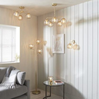 kolekcja lamp z bursztynowymi kloszami