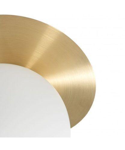 szklany kinkiet na złotej podstawie
