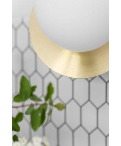 szklany kinkiet ze złotym dyskiem nowoczesny