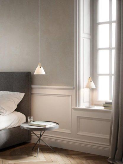 lampa wisząca do sypialni biała