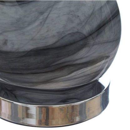 szara szklana lampa stołowa
