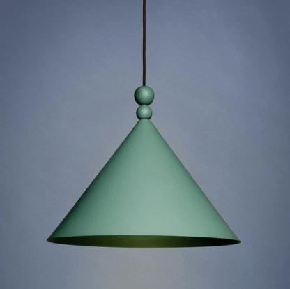 zielona lampa wisząca do kuchni w kolorach ziemi