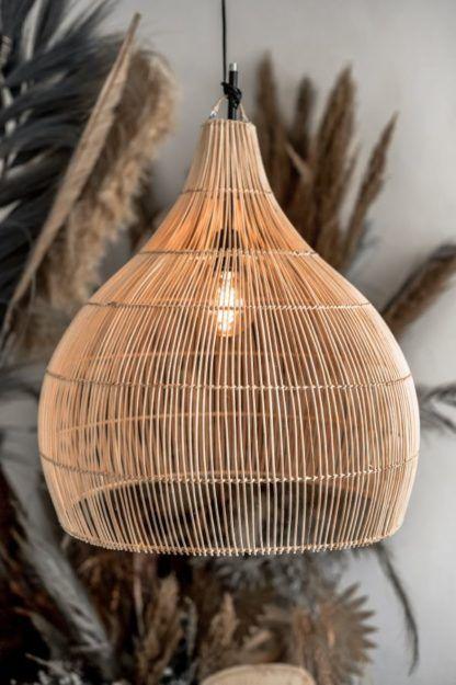 rattanowa naturalna lampa do salonu