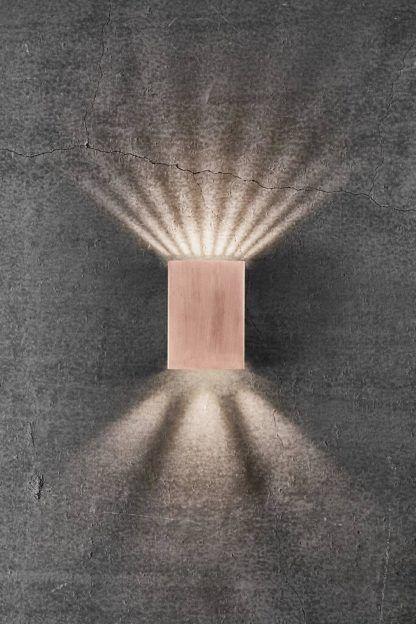 miedziana lampa elewacyjna