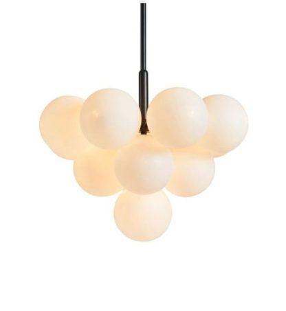 lampa wisząca z białymi kulami