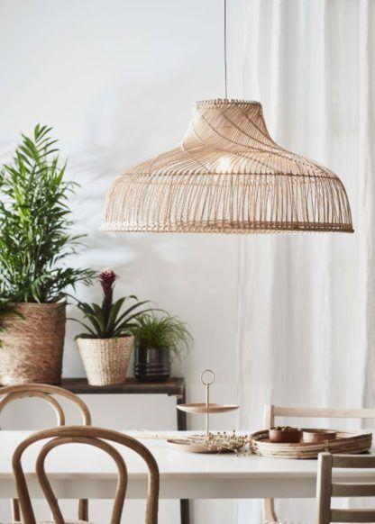 bambusowa lampa wisząca nad stół