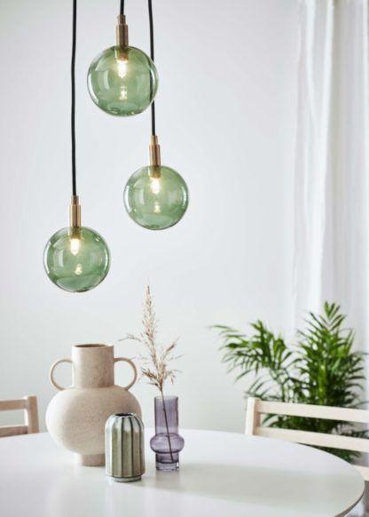 zielona lampa wisząca do jadalni