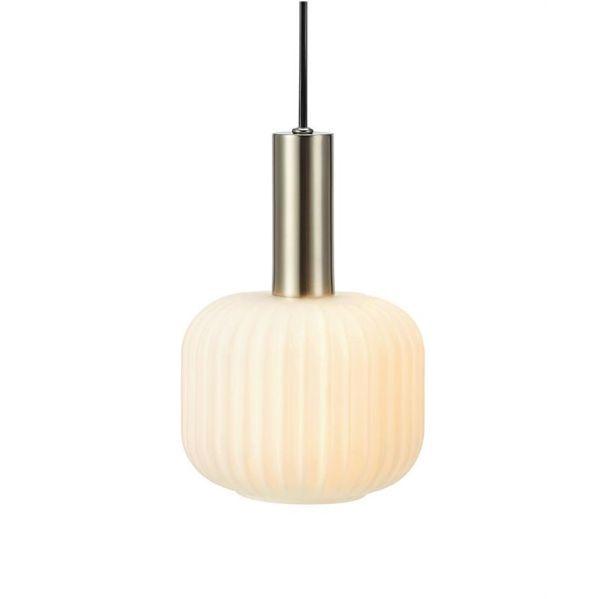lampa wisząca z mlecznym kloszem szklana