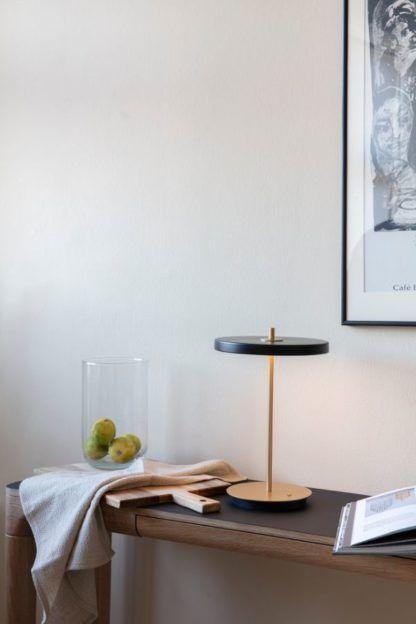 lampa stołowa z łądowarką