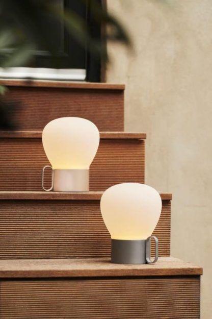mobilne lampy na taras do altany