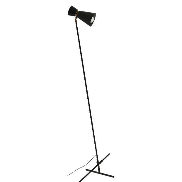 czarna lampa podłogowa