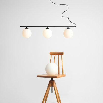 lamp wisząca nad stół mleczne klosze