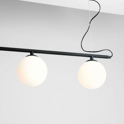 lampa wisząca czarna z białymi kloszami