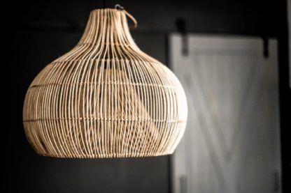 Efektowna lampa wisząca Baba - rattanowy klosz
