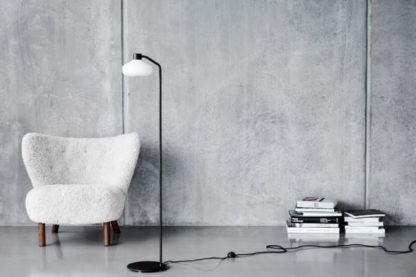 Stylowa lampa podłogowa Mayor - biały klosz, nożny włącznik