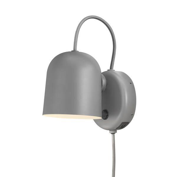 szara lampa ścienna do salonu