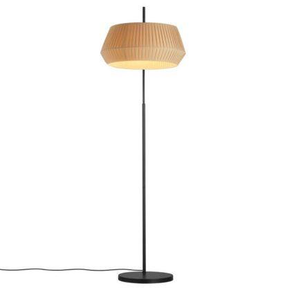 czarna lampa podłogowa z beżowym abażurem