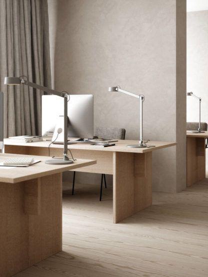 szara lampa stołowa do gabinetu