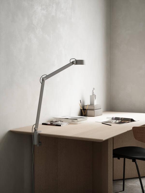 szara lampa biurkowa do pracy do nauki
