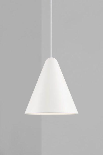 Biała lampa wisząca Nono 23,5 - DFTP, stożkowy klosz