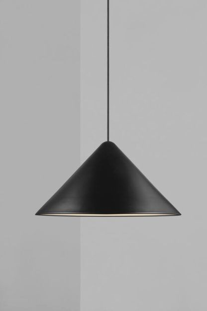 czarny stożek lampa wisząca