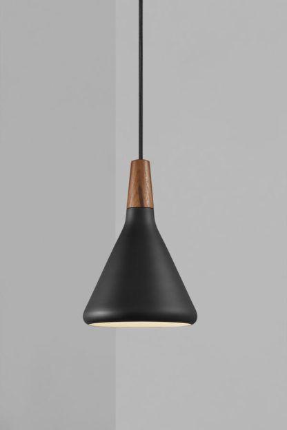 Czarna lampa wisząca Nori 18 - DFTP, drewniany element