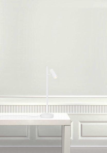biała lampa biurkowa minimalistyczna